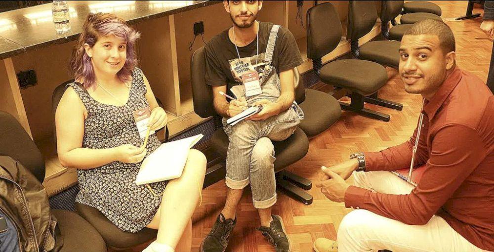 Nathalie no projeto Hackathon ABEME com seu grupo.