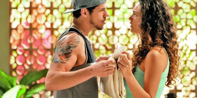 Darkson ( José Loreto ) e Tessália ( Debora Nascimento ).